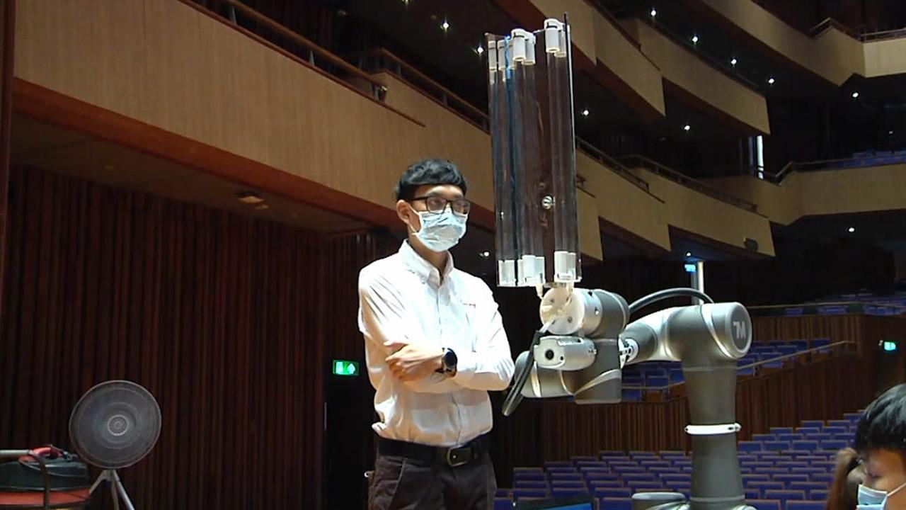 นวัตกรรมหุ่นยนต์ในงานรับปริญญา